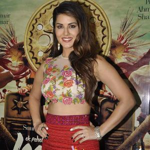 Sunny Leone Looks Gorgeous And Stunning At Ek Paheli Leela Promotions