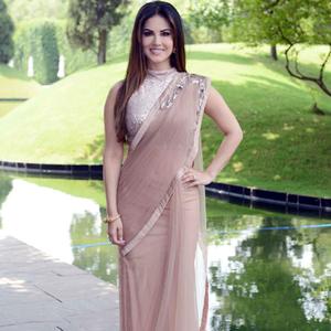 Sunny Leone In Saree Beautiful Look At Delhi During The Promotion Of Ek Paheli Leela