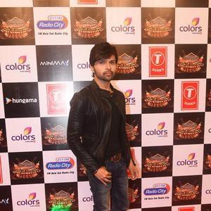 Himesh Reshammiya Simple Look At Suron Ke Rang Color Ke Sang Musical Event