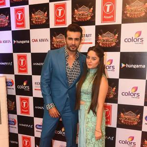 Jay Bhanushali Posed With Wife Mahi Vij At Suron Ke Rang Color Ke Sang Musical Event