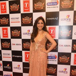 Yami Gautam Flashes Smile At Suron Ke Rang Color Ke Sang Musical Event