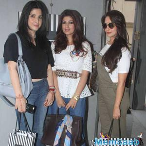 Sanjay Kapoor's Wife Maheep And Sohail Khan's Wife Seema Also Paid A Visit To Twinkle's Store