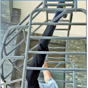 Sonu stretches his limit with Jackie Chan, performed the vertical split effortlessly