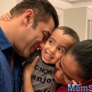 Salman Khan bonds with nephew Ahil sister Arpita Khan Sharma