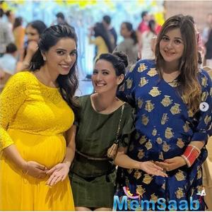Kapil Sharma's wife Ginni Chatrath flaunts baby bump; looks adorable
