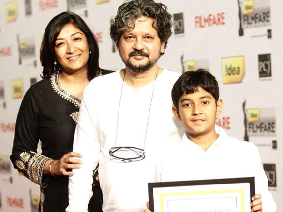Amole Gupte with family arrive at the 57th Idea Filmfare Awards