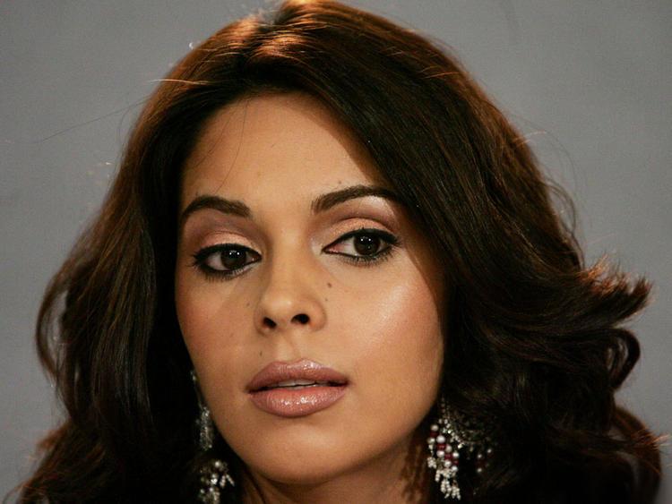 Mallika Sherawat Amazing look