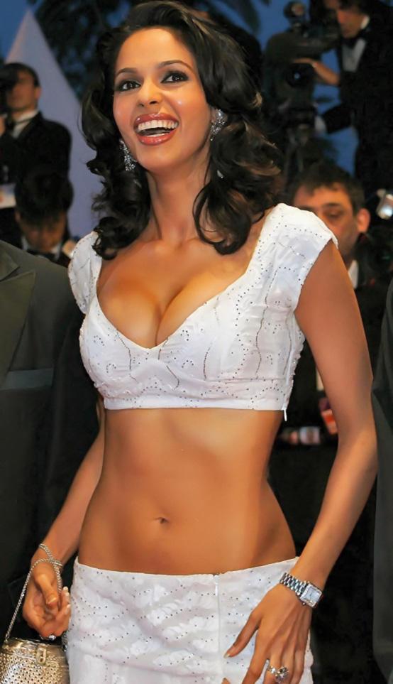 Mallika Sherawat hot bikini pics