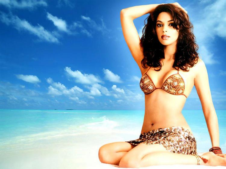 Mallika Sherawat sexy bikini wallpaper