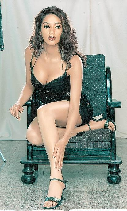 Mallika Sherawat sexy legs pics