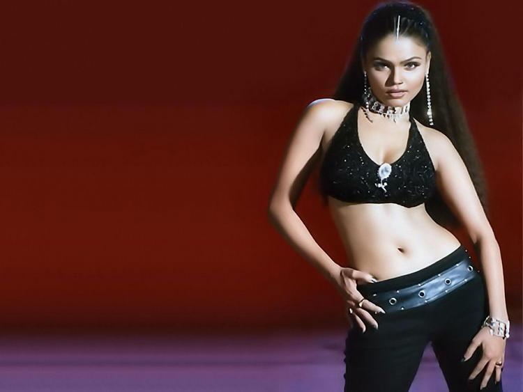 Rakhi Sawant sexy navel show