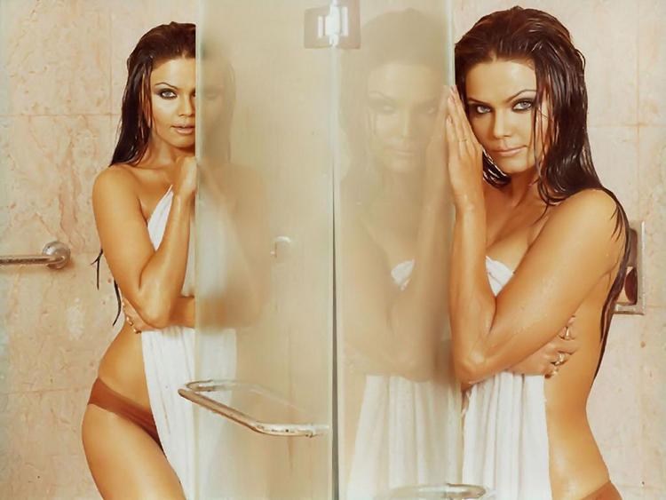 Rakhi Sawant bathroom hot still