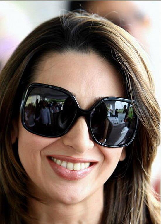 Karishma Kapoor black goggles look