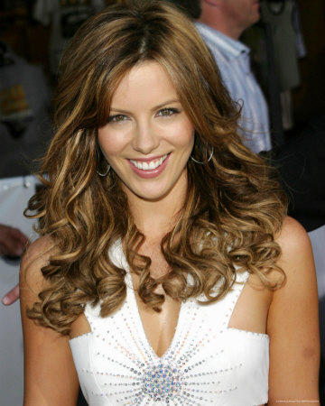 Kate beckinsale cute smile stills in white dress