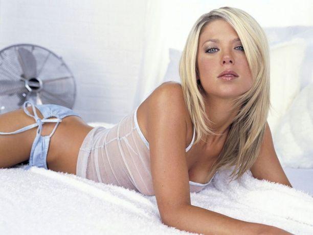 Tara Reid sexy romantic look photo shoot
