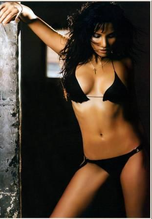 Padma Lakshmi sexy navel black bikini photo