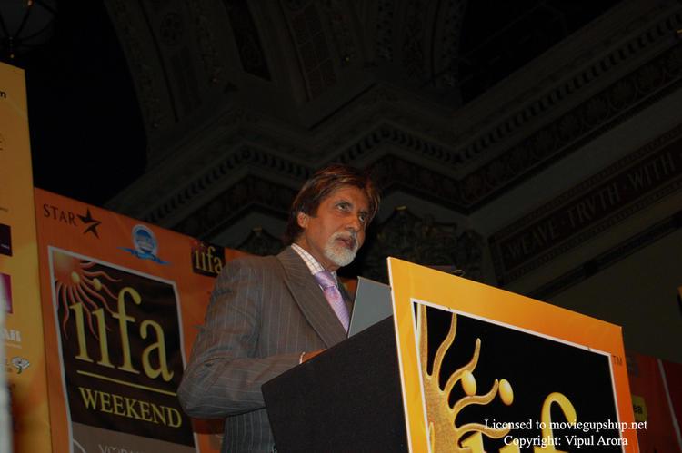 Amitabh Bachchan talking about Green Carpet