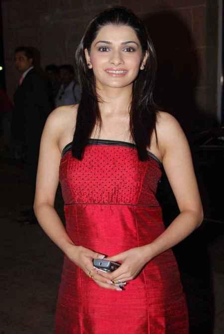 Prachi Desai sleeveless red hot pics