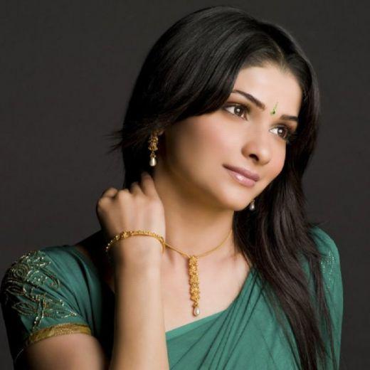 Prachi Desai spicy pose with green color saree