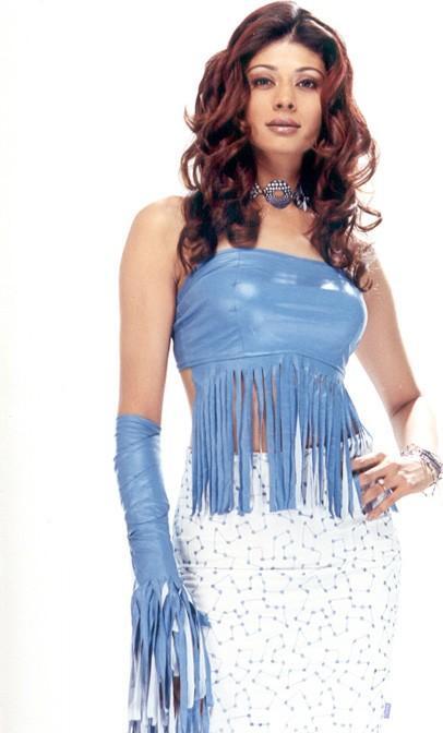 Pooja Batra amazing dress wallpaper