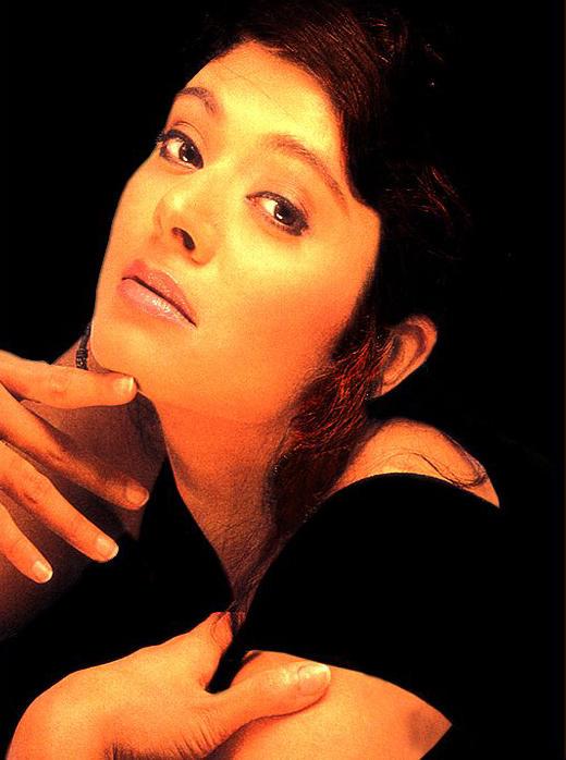 Hot Pooja Batra glamour still