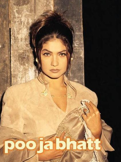 Pooja Bhatt sizzling hot look