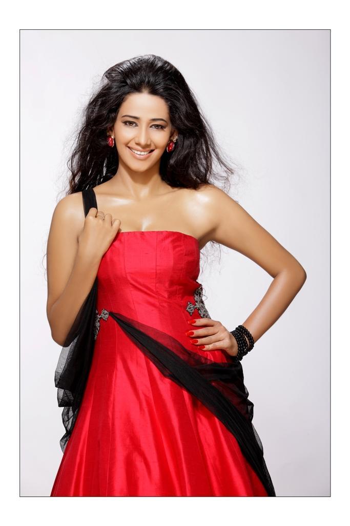 Sanjana Singh red hot dress photo