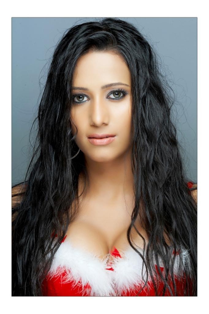Sanjana singh glamor stills