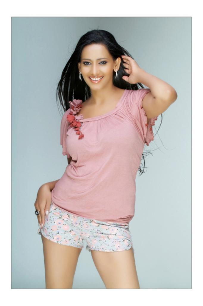 Sanjana singh sexy stills