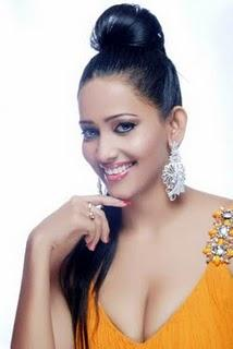 Sanjana Singh hot boob show latest pics