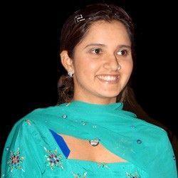 Sania Mirza sweet smile pics