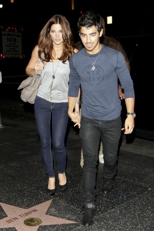 Cute Couple Ashley greene and joe jonas