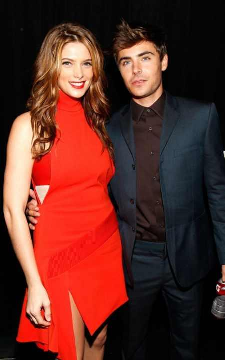 Ashley Greene red hot pics