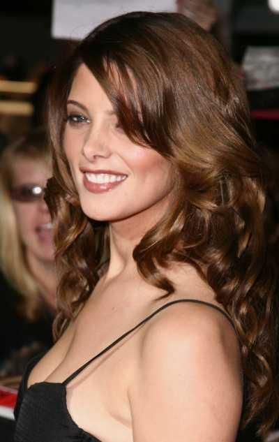 Ashley Greene looking gorgeous and hot