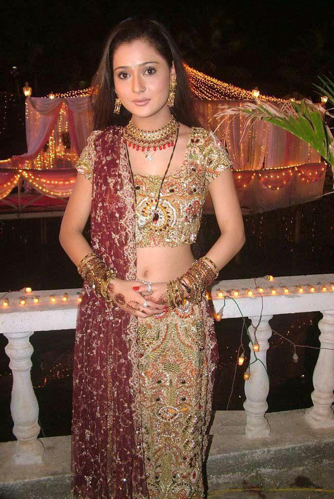 Sara Khan wedding dress pictures