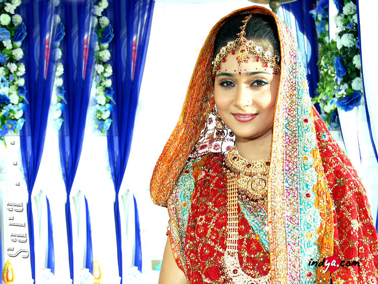 Sara Khan wedding dress latest still