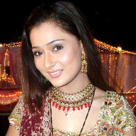 Sara Khan hot look