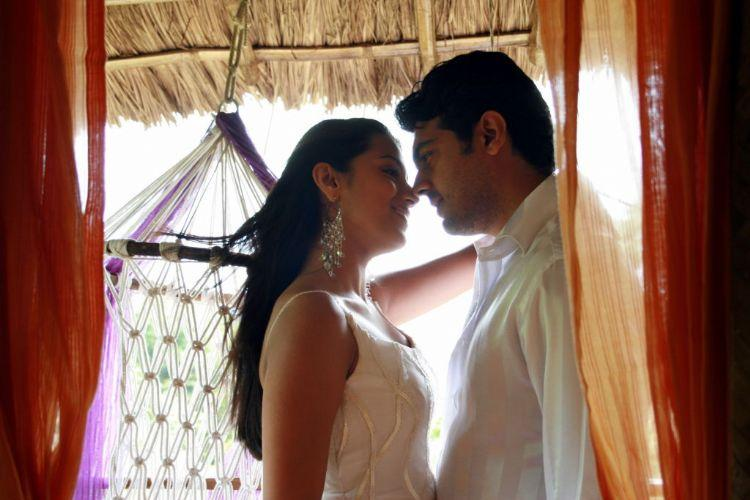 Ajith,Trisha Poorna Market movie kiss still