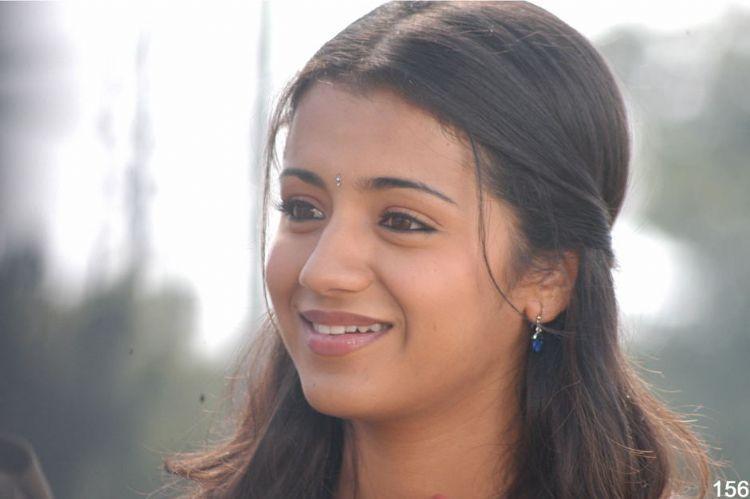 Trisha Poorna Market  sweet smile pics