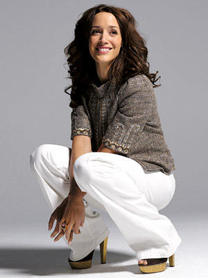 Jennifer beals cute wallpapers in white paint