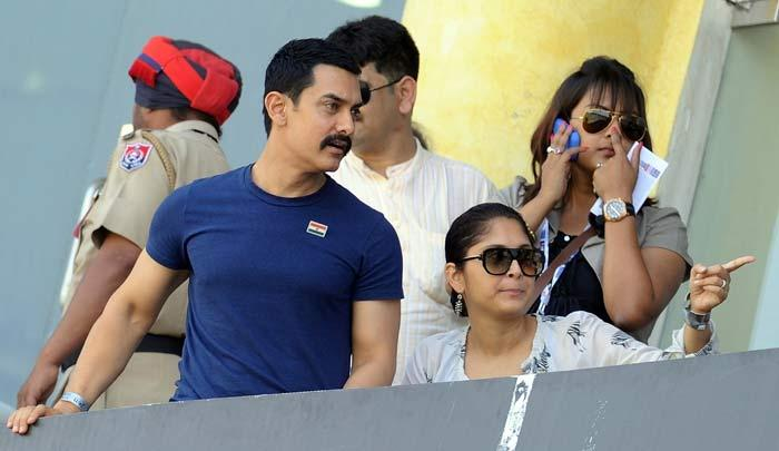 Actor Aamir Khan and  Kiran Rao at ICC cricket world cup semi final match
