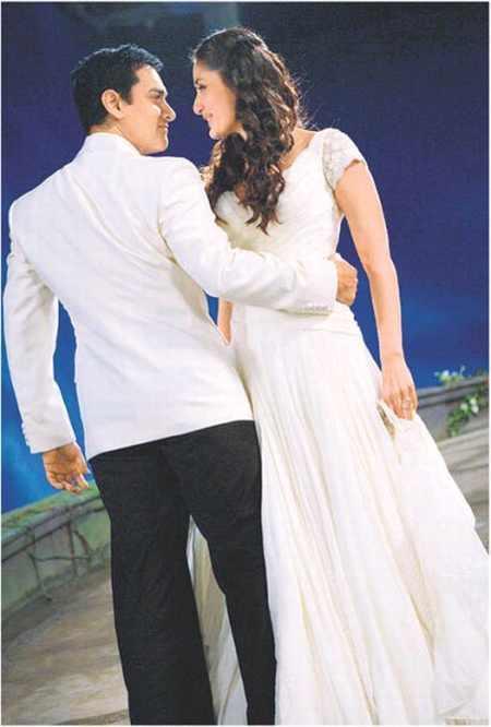 Aamir Khan and kareena kapoor in 3 idiots