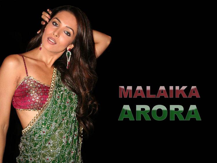Malaika Arora Khan sexy saree pics