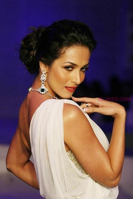 Malaika Arora Khan at HDIL fashion show