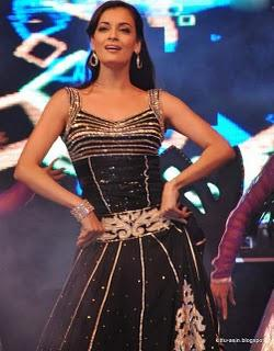 Dia Mirza performs live at Vemma