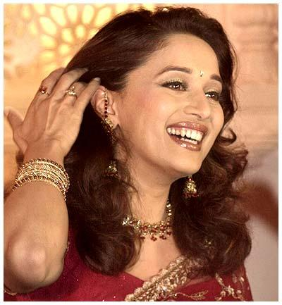 Madhuri Dixit gorgeous red saree pic