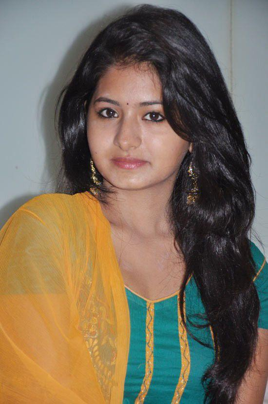 Reshmi Menon simple look