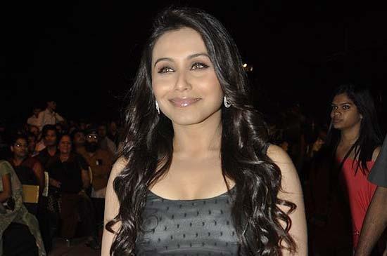 Rani at  Apsara awards 2011