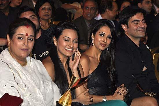 Arbaaz Khan and Malaika Arora Khan at  6th Apsara awards 2011