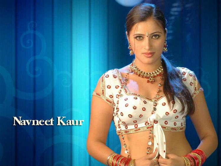 Navneet Kaur hot look